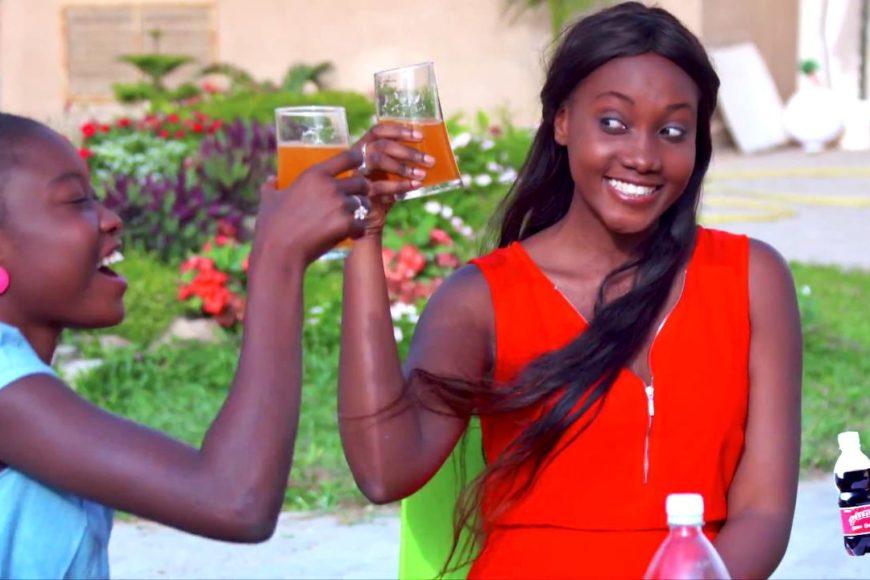 pot publicitaire des boissons Punch - Version française.